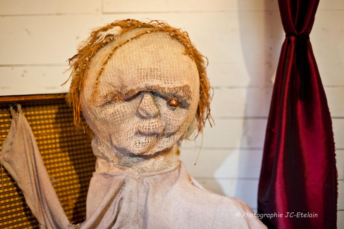 Les artisans du masque de scène